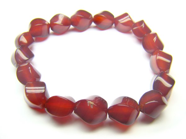 BAGXCY0609X Red Agate S-Shape 8x10mm Bracelet