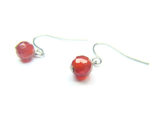 EAGXRS0800X Red Agate Round Shape 6mm Cut Earrings