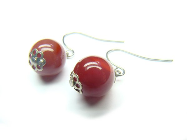 EAGXRS1000C Red Agate Round Shape 10mm Earrings