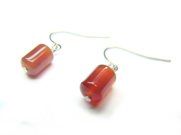 EAGXRE0712X Red Agate Cylinder Shape 6x9mm Earrings