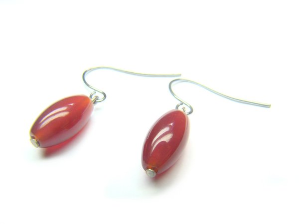 EAGXDR0800X Red Agate Rice Shape 7x12mm Earrings