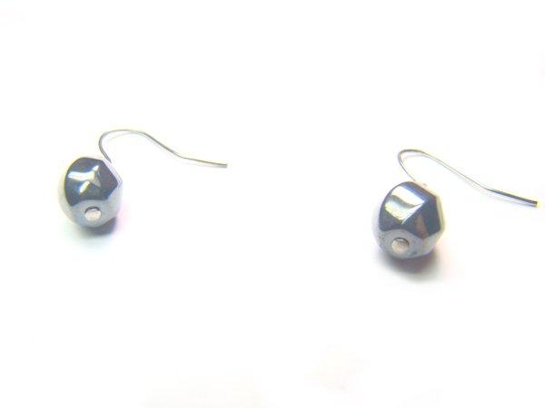 EHEXSS0812X Hematite S-Shape 8mm Earrings