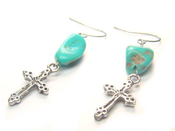EA1427 Turquoise wt Cross Earrings