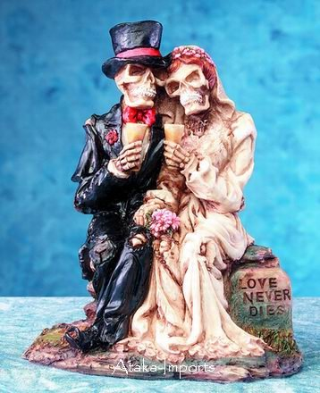 GROOM-BRIDE COUPLE STATUE-HALLOWEEN WEDDING CAKE TOPPER (5165)
