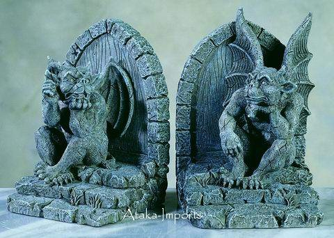 GOTHIC-GARGOYLE BOOKENDS-GORGEOUS STATUE-NEAT (5261)