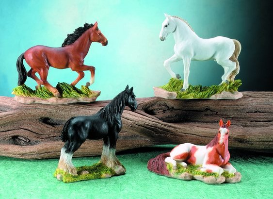 SET OF 4-HORSES-FIGURINES-DISPLAY-FUN (5682)