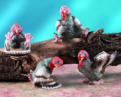 SET OF 4-TURKEYS-THANKSGIVING-FIGURINES-DISPLAY-FUN (5943)