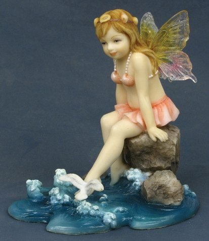 LITTLE FAIRY PLAYING AT BEACH-FIGURINE-STATUE (6778)