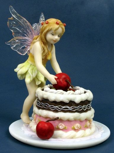 LITTLE BIRTHDAY FAIRY-FIGURINE-STATUE (6781)