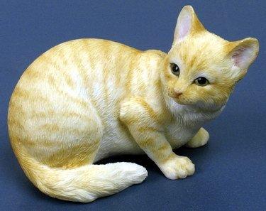 MUNCHKIN CAT-FIGURINE-STATUE (6745)