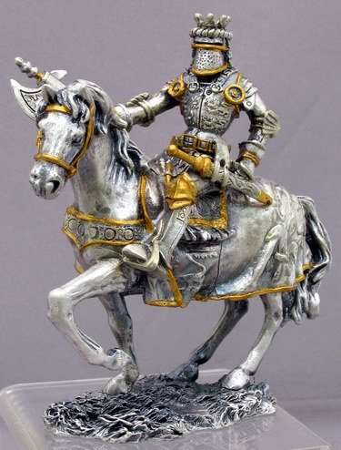 MEDIEVAL KNIGHT ON HORSE W AXE-FIGURINE-STATUE PEWTER (6915)