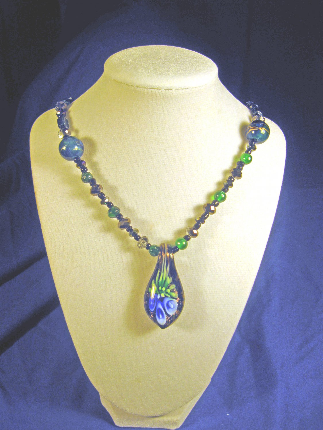 drop pendant and necklace     A013