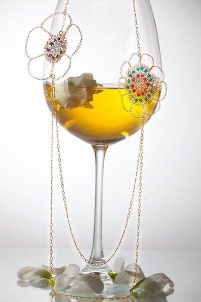 Astonishing 14kt Gold filled flowers necklace with Swarovski