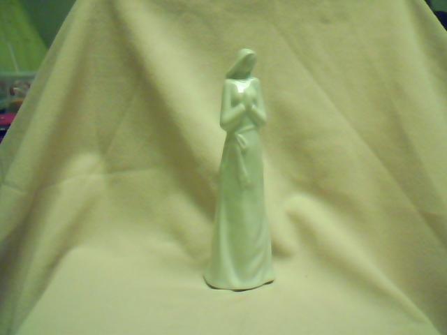 Lady Statuette