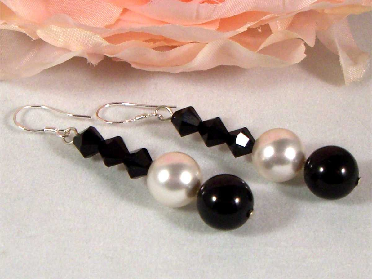 Black&White Pearls&Crystals Wedding Bride Earrings made with SWAROVSKI ELEMENTS