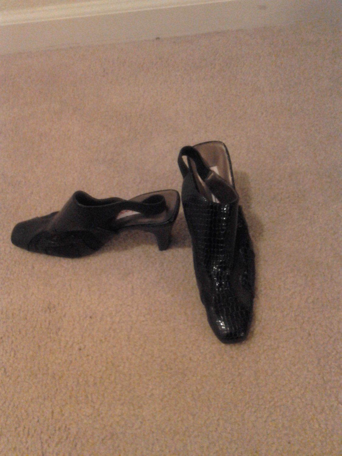 Brand New Black Pattern Mesh Sling Back Shoes