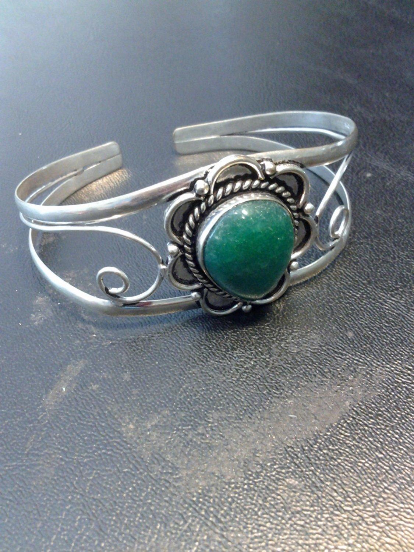 Brand New Beautiful Silver Cuff Bracelet With A Dark Green Stone