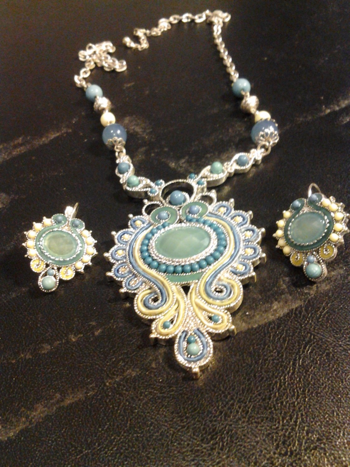 Brand New Beautiful Bold Aztec Turquoise Earrings And Necklace Set