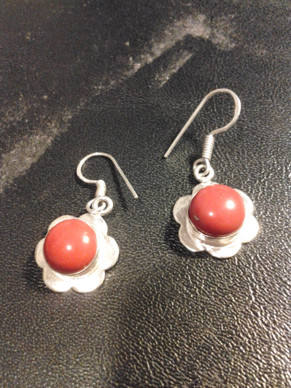 Brand New Beautiful Silver Red Stone flower Dangled Earrings