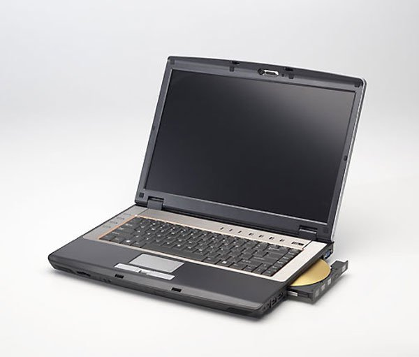 Compal HEL80 notebook laptop Core 2 Duo Merom T7400 100GB 2GB Go 7600 DVD