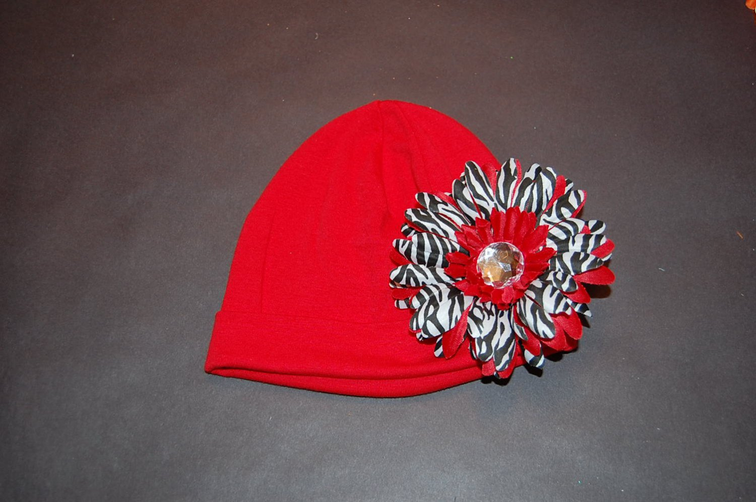 Cotton Red Hat with Red Stacked Zebra Daisy