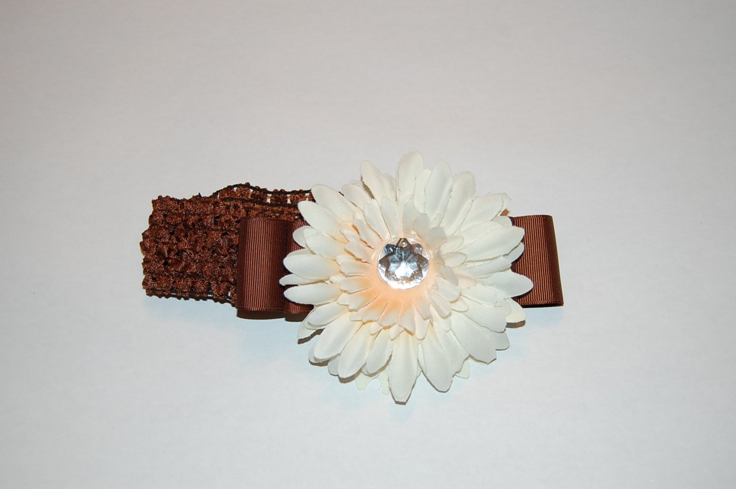 "4"" Two toned Daisy with Ribbon, Crocheted Headband-Two Tone Beige/Brown"