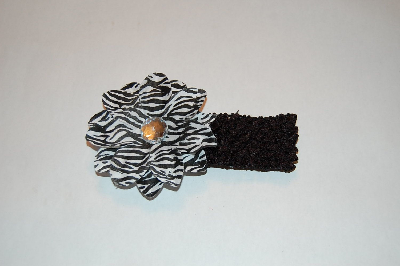 "4"" Zebra Daisy, Crocheted Headband, Black/White/Black"