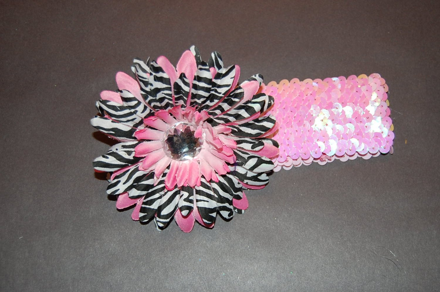 "4"" Layered Zebra Daisy, 2"" Sequined Headband, Black/White/Pink"