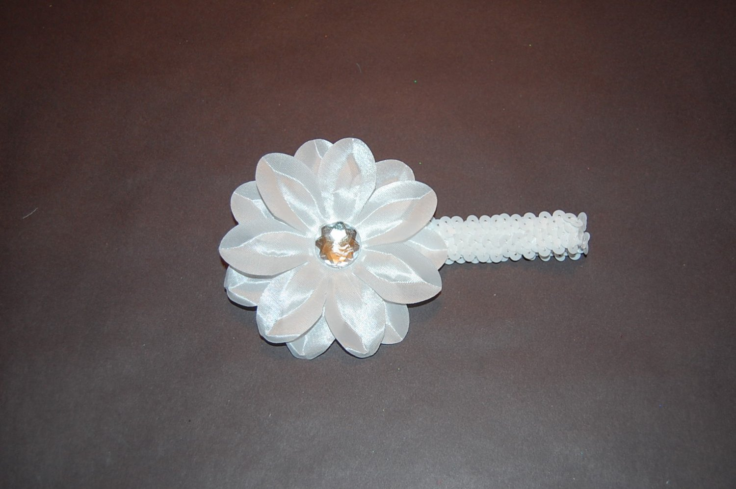 """4' Tropical Lilly on 1"""" Sequin Headband, White"""