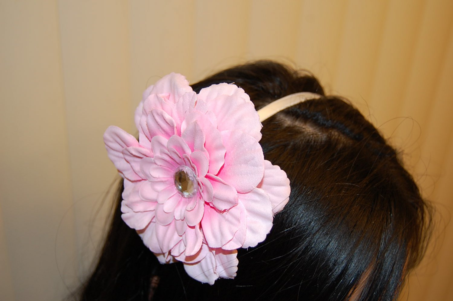 "Hard Headband, Satin Finish, 4"" Peony, Pink/White"