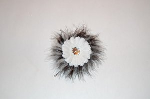 "2 "" Daisy, Marabou, on Alligator Clip, Black/White/White"