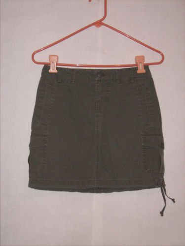 Mossimo Army Green Cargo Skirt size 1 Juniors Mini