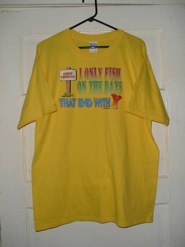 MENS GILDAN T-SHIRT SIZE L CUTE