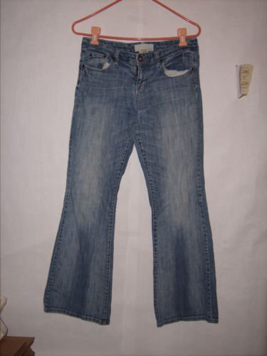 Maurices Distressed Blue Denim Jeans size 5/6 Reg Low rise Boot cut