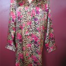 DELICATES BUTTON DOWN LONG SLEEVE CHEMISE SIZE MEDIUM
