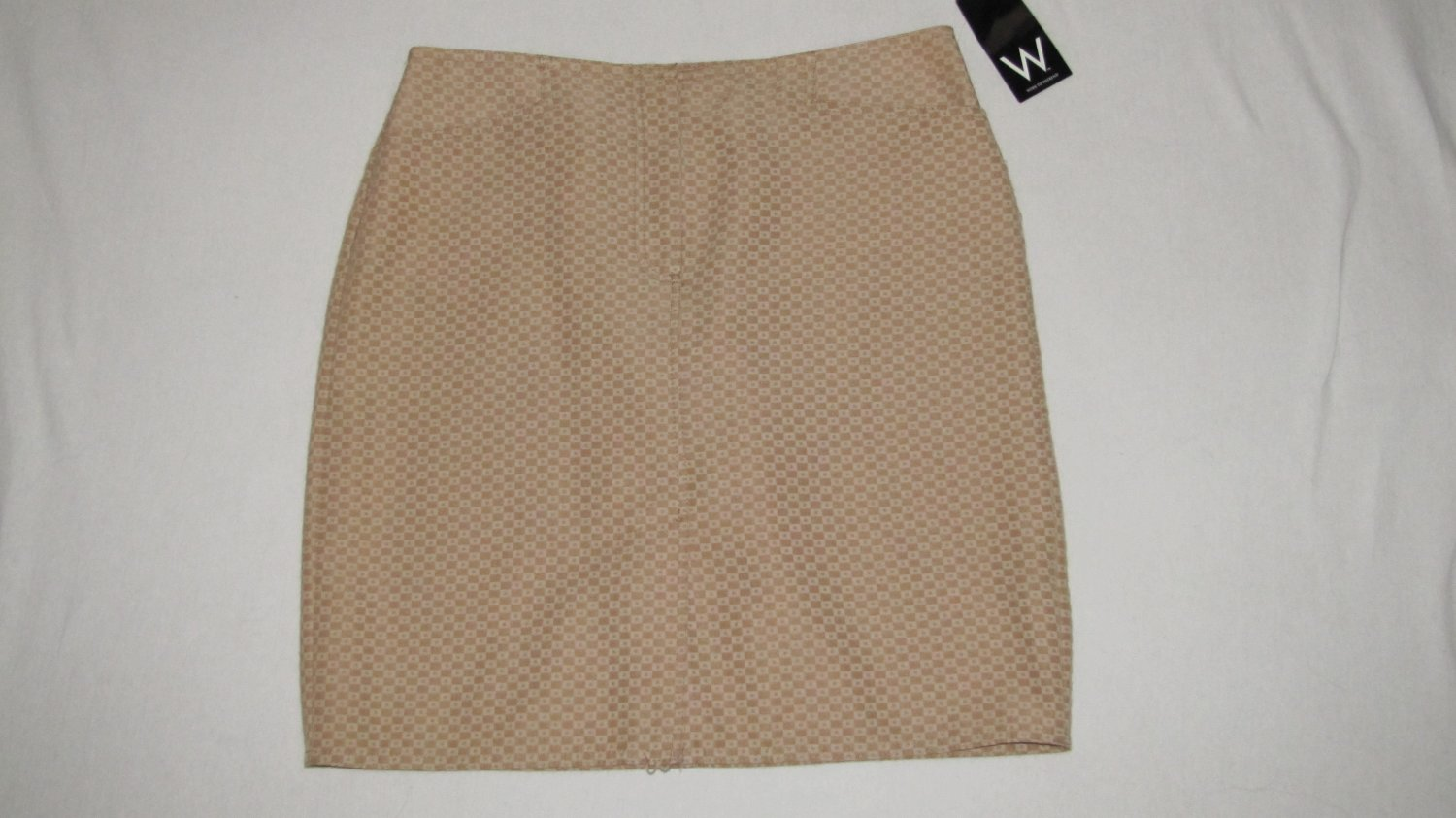 WOMANS SKIRT W/FRONT & BACK POCKETS & WALKING VENT 8