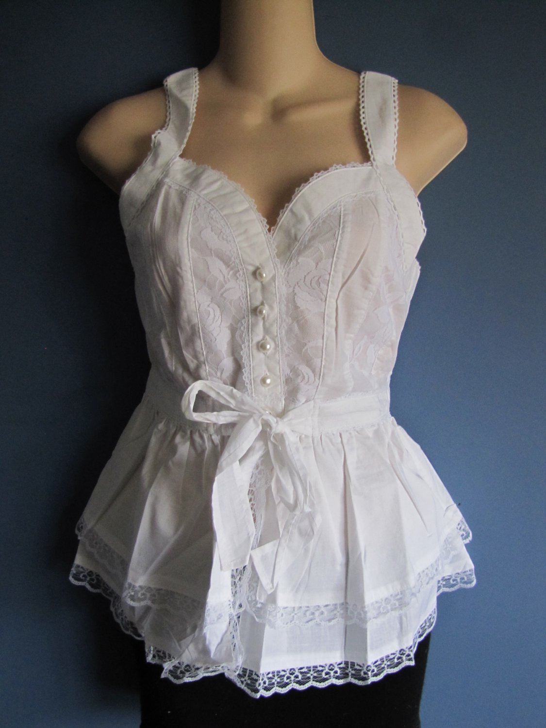WHITE CORSET/BUSTIER STYLE SHIRT LACE DETAIL SWETHEART NECKLINE SIZE SMALL