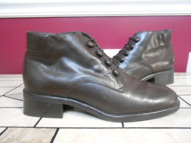 ST JOHNS BAY BROWN LEATHER ANKLE BOOTS SIZE 8.5M