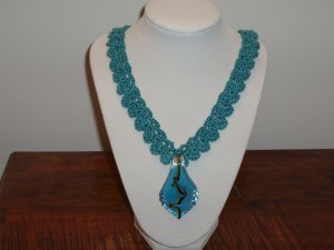 Neck lace crocheted blue glass pendant free shipping