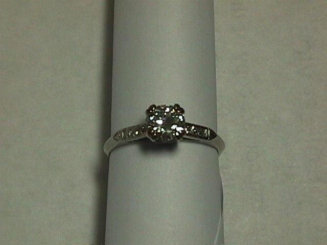 Stunning 1940's Natural Diamond Engagement Ring - Estate Piece