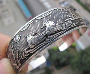 Rare Tibetan carved bird lovers yuanyang silver bracelet (A125)
