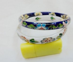 A pair of beautiful and charming cloisonne flat bracelet