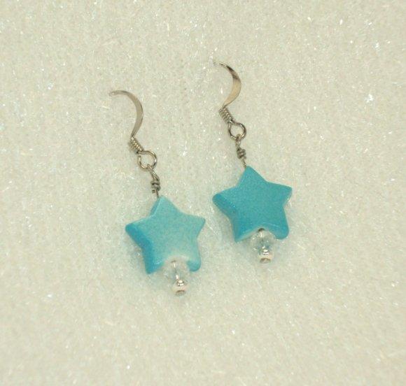 Baby blue star earring