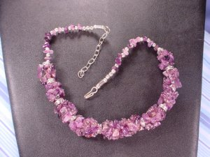 DECO LIGHT AMETHYST NECKLACE AND EARRINGS WITH A STAINLESS CLASP