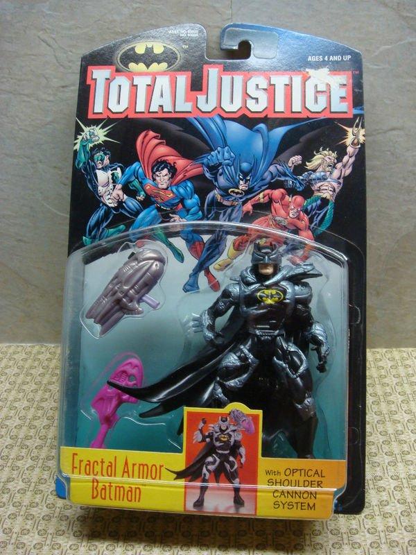 DC SUPERHEROES TOTAL JUSTICE FRACTAL ARMOR BATMAN 5 INCH SCALE ACTION FIGURE 1996 KENNER HASBRO