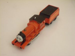 JAMES THE RED ENGINE TOMICA ROAD & RAIL SYSTEM BATTERY POWERED W/TENDER LOOSE TOMY THOMAS TANK