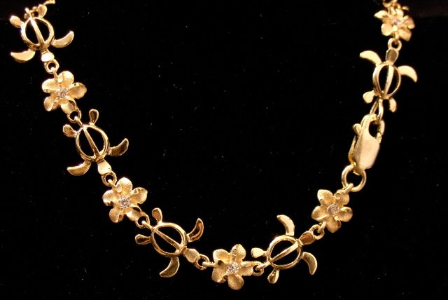 14kt Gold Hawaiian Sea Turtle and Plumeria Flower Bracelet