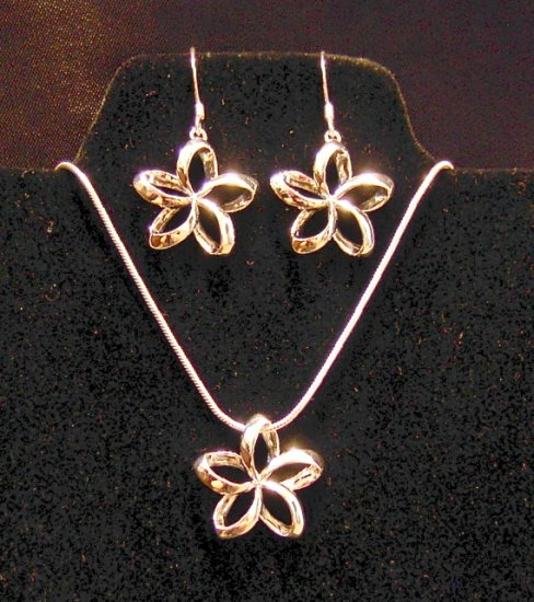 Silver Hawaiian Plumeria Earring, Pendant and Chain Set