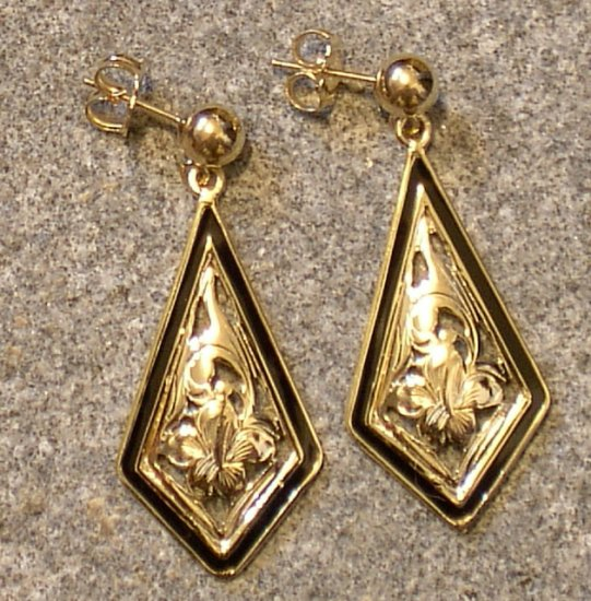 14kt Gold Hibiscus Drop Earrings
