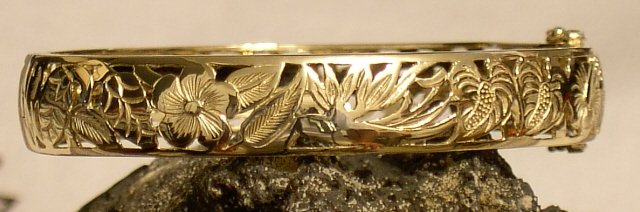 14kt Gold Hawaiian Flower Garden Bangle Bracelet